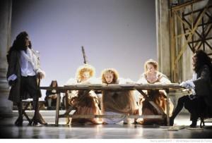 Les femmes savantes / mise en scène de Catherine Hiegel. - Paris Théâtre de la Porte Saint-Martin, 27-04-1987 . Photographe : Daniel Cande