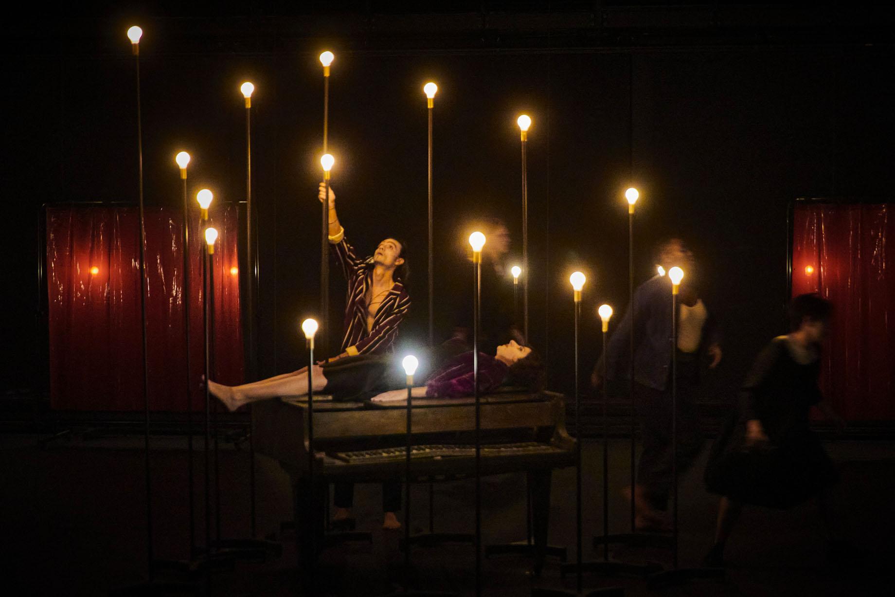 Le Jeu des ombres de Valère Novarina mise en scène de Jean Bellorini