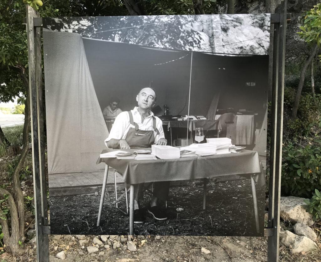 "Les ""bureaux"" du Festival - Jean Vilar- Verger Urbain V - Avignon 1959 Photographie Maurice Costa"