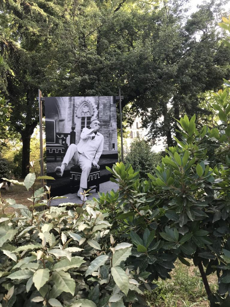 L'Avare, en répétition Jean Vilar Cour d'honneur du Palais des Papes – Avignon – 1963 Photographie Suzanne FOURNIER
