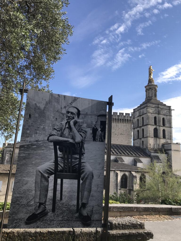 Le Triomphe de l'amour, entre deux répétitions Jean Vilar Tinel de La Chartreuse – Villeneuve-lès-Avignon – 1958 Photographie Agnès VARDA © succession varda